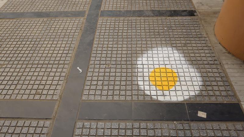Οι δρόμοι της Θεσσαλονίκης γέμισαν με τηγανητά αυγά