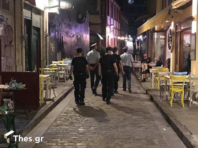 Αστυνομικοί περιπολούν στη Θεσσαλονίκη