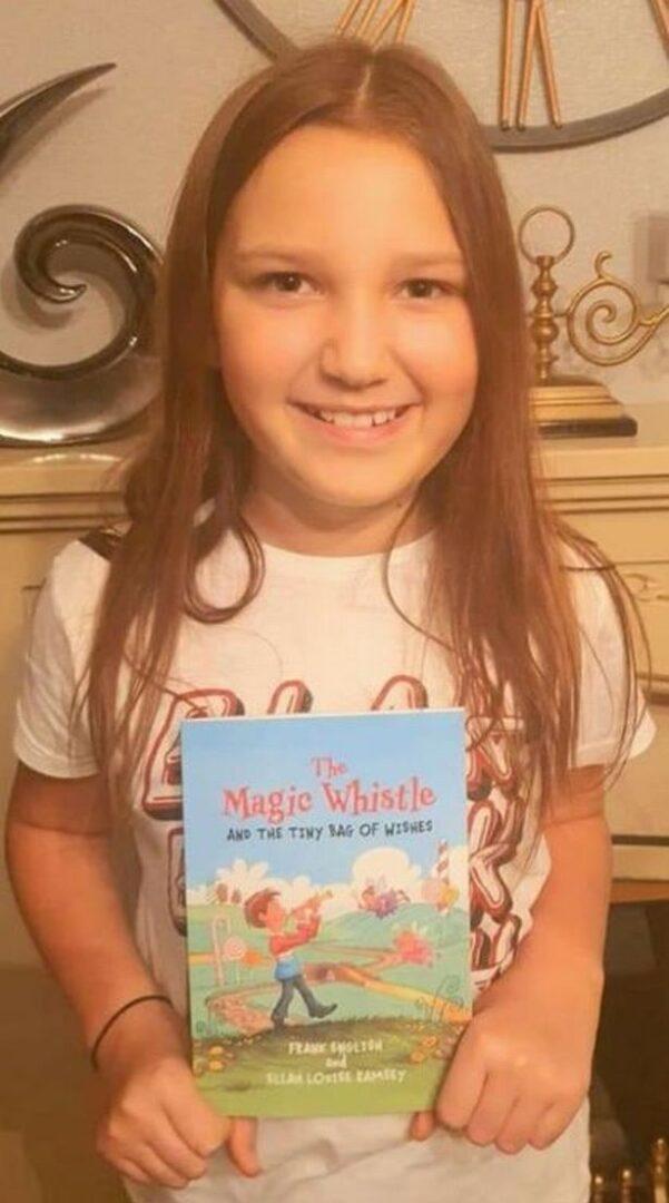 Η 9χρονη συγγραφέας Έλλα Ράμσεϊ