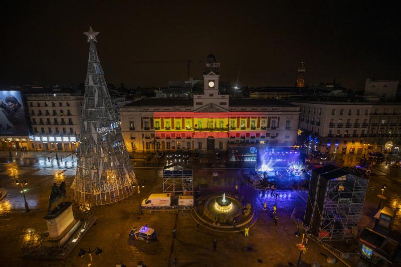 Έρημη η πλατεία Πουέρτα δελ Σολ στην Μαδρίτη