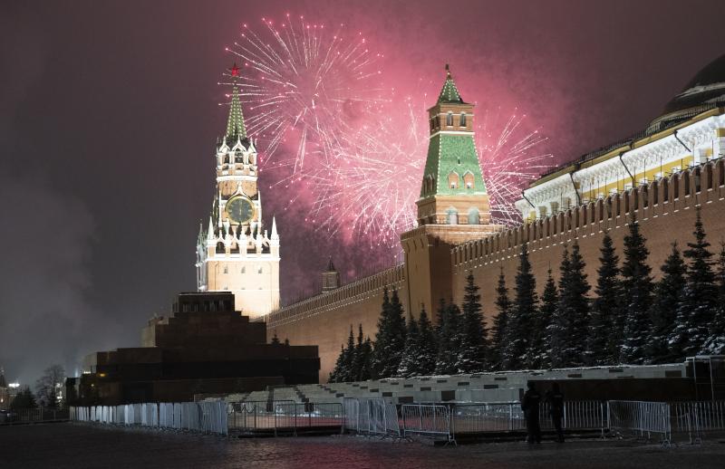 Πυροτεχνήματα πάνω από το Κρεμλίνο στην Ρωσία