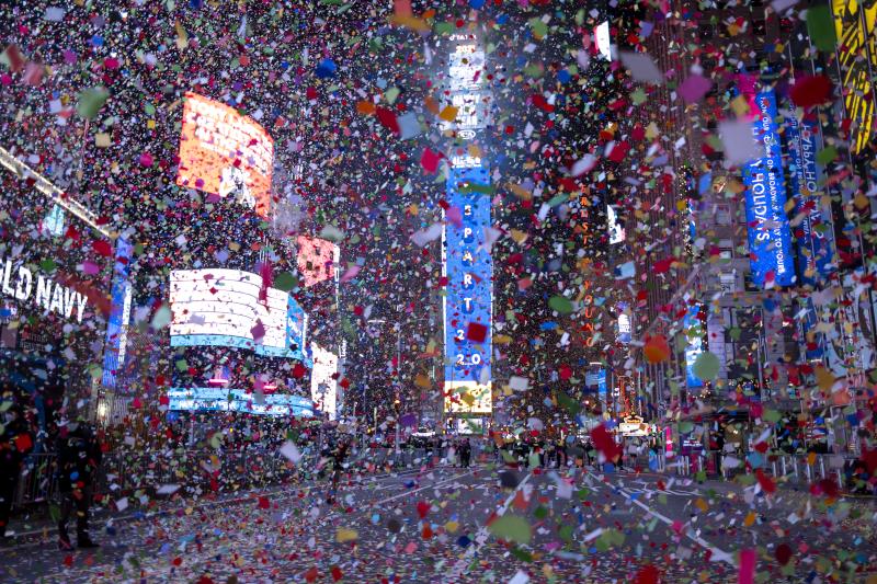 Βροχή κονφετί στην Times Square της Νέας Υόρκης