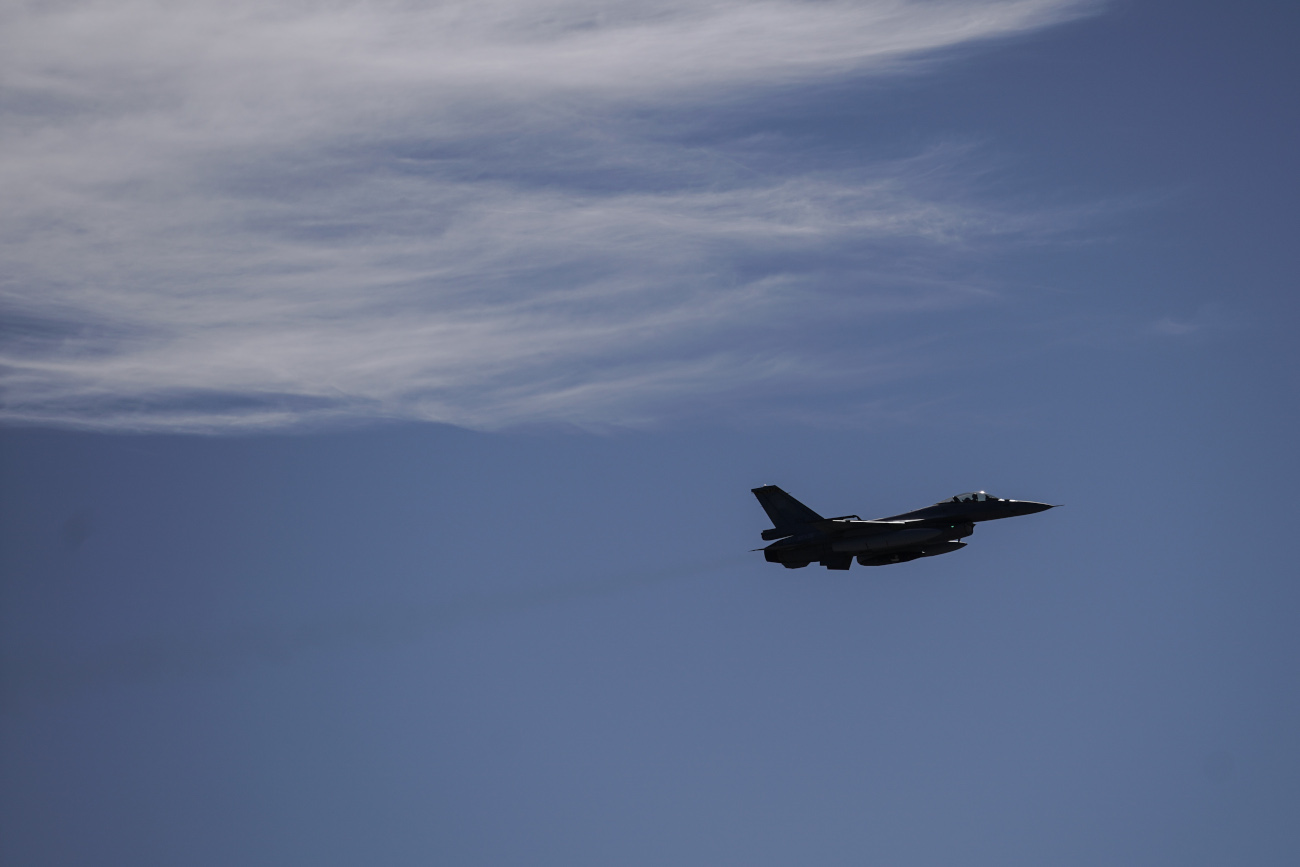 Πολεμικό αεροσκάφος σε πτήση